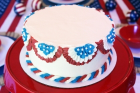 Custom Independence Day cake using American Buttercream frosting and decorations