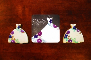 Bridal shower: Invitation matching cookies